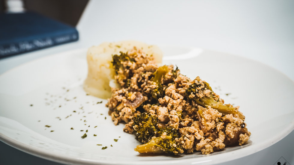 Vegan Stir Fry, Mashed Potatoes, Sweet Baked Plantain