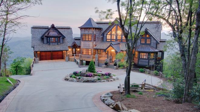 Ghostwood Bear Manor