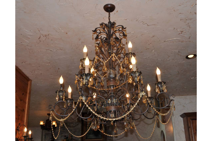 Dining Room Chandalier.png