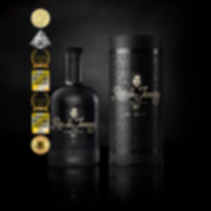RONdeJEREMY_XO_BOTTLE_TUBE_&_MEDALS_2018