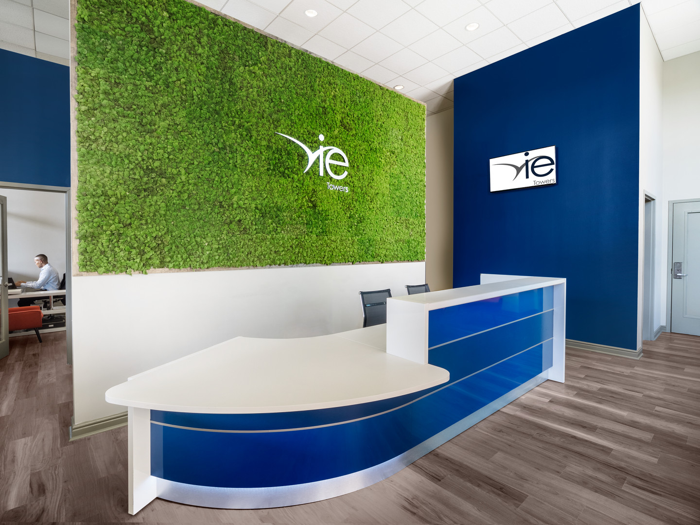 Vie-Towers_Leasing-Office