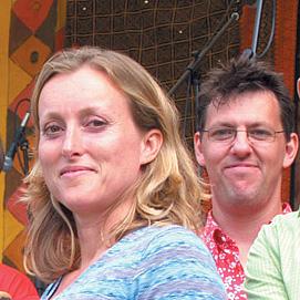 2003-HumDrumStrum-Band1