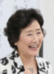 山本チヨヱ笑顔顔写真1.jpg