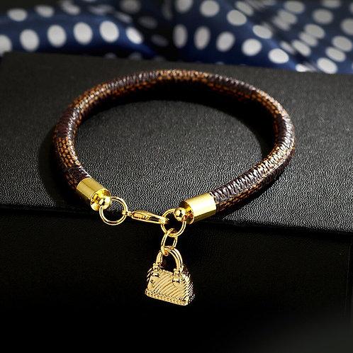 Bracelet Brand v Letter High Quality
