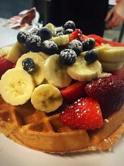 Waffle & fruit