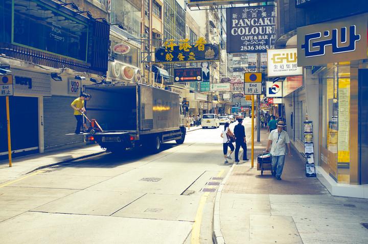 MichaelNager_Personal_HongKongStreet_01.