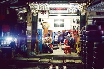 MichaelNager_People_MyanmarWorker_01.jpg