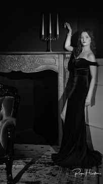 Seanna owns the drawing room in 1940's styling
