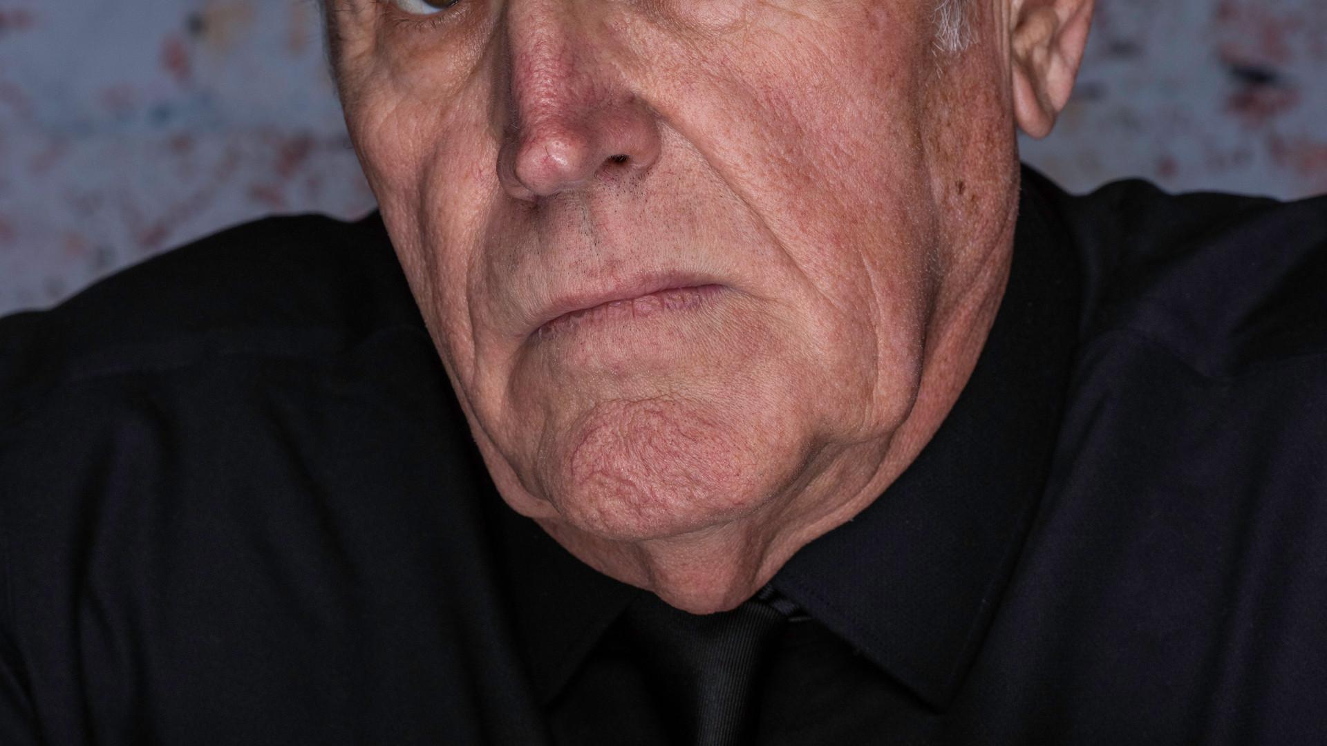 Bill L posing for actor's portrait