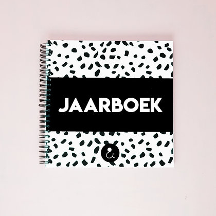 Jaarboek - Monochrome