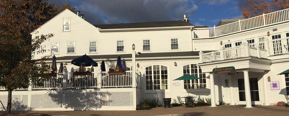Fiddler's Green Shops & Restaurants in Simsbury, CT