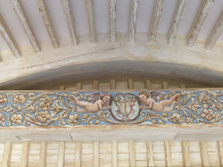 Потолок и балки из массива