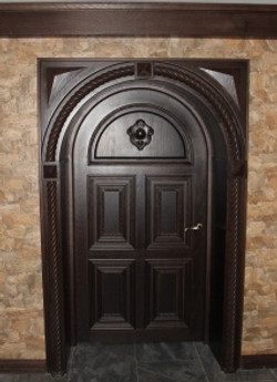 Входная дверь из дуба на заказ