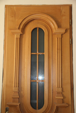 Входная дверь из дуба