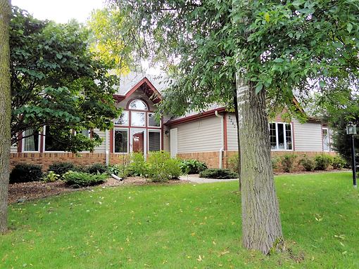 Home at 2329 Oak Heights Ct., South Maplewood sold by Lyn Bockert