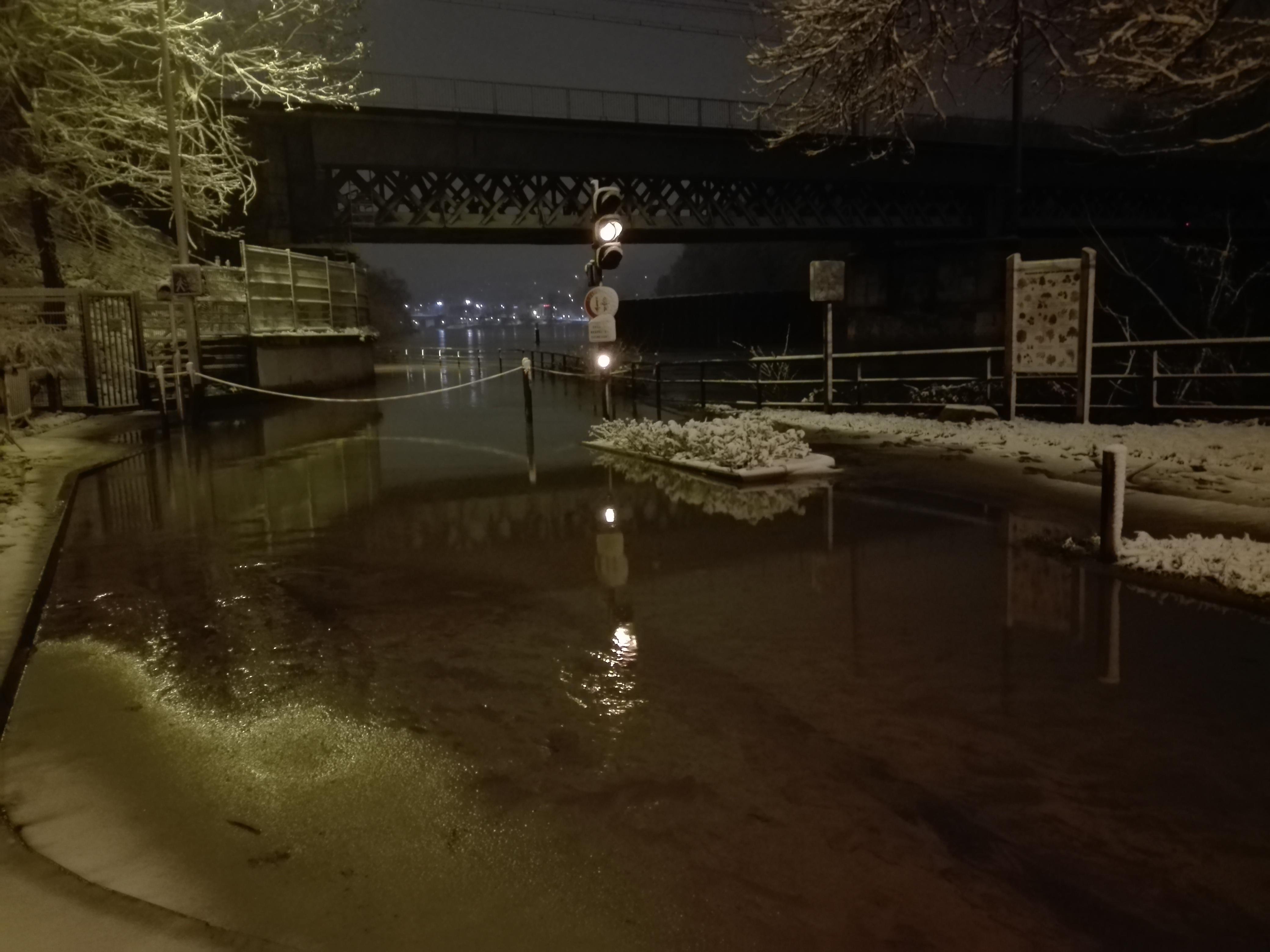 Crue de la Seine et neige Le Pecq 02 201