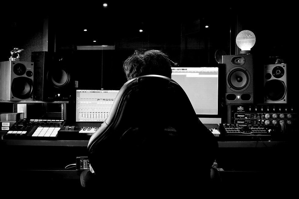Juan José Salazar, Estudio de grabación Bogotá, Jingles, cuñas radio