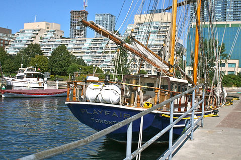 Walk 7 Queens Quay Harbourfront Stroll i