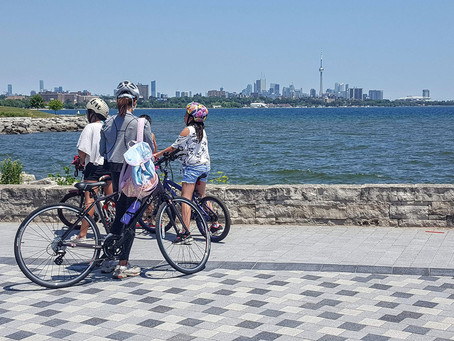 Mini-walk for the CURIOUS minds in Toronto (around the new South Etobicoke by the water)