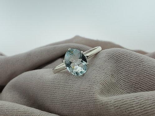 Aquamarine Oval Cut 8x6mm Ring in Silver Setting