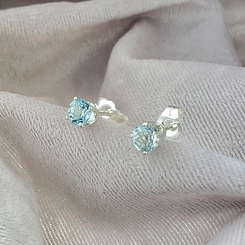 Aquamarine 4mm Rounds in Silver Post Settlings
