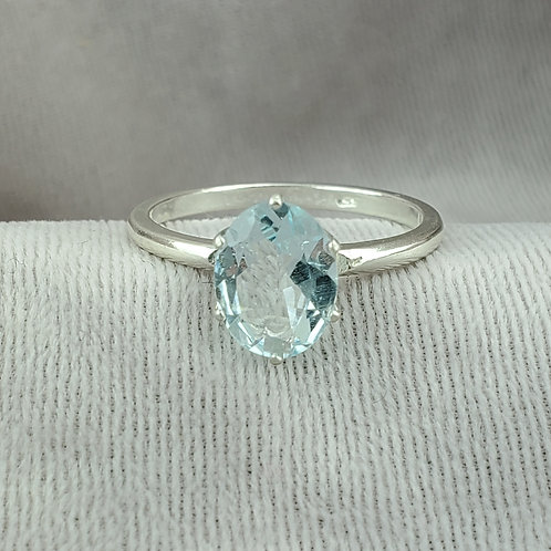 Aquamarine Oval Cut Ring in Silver Setting