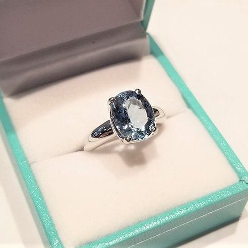 Aquamarine 6.5ct Oval Cut in White Gold Solitaire Ring