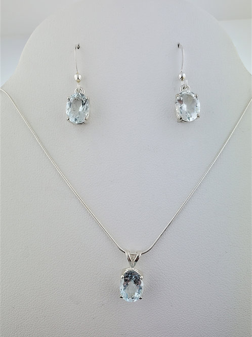 Aquamarine 9x7mm Oval Pendant and Earrings in Silver Setting