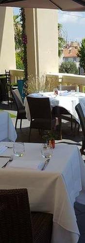 "Terrasse du Restaurant ""Le VICTORIA"""