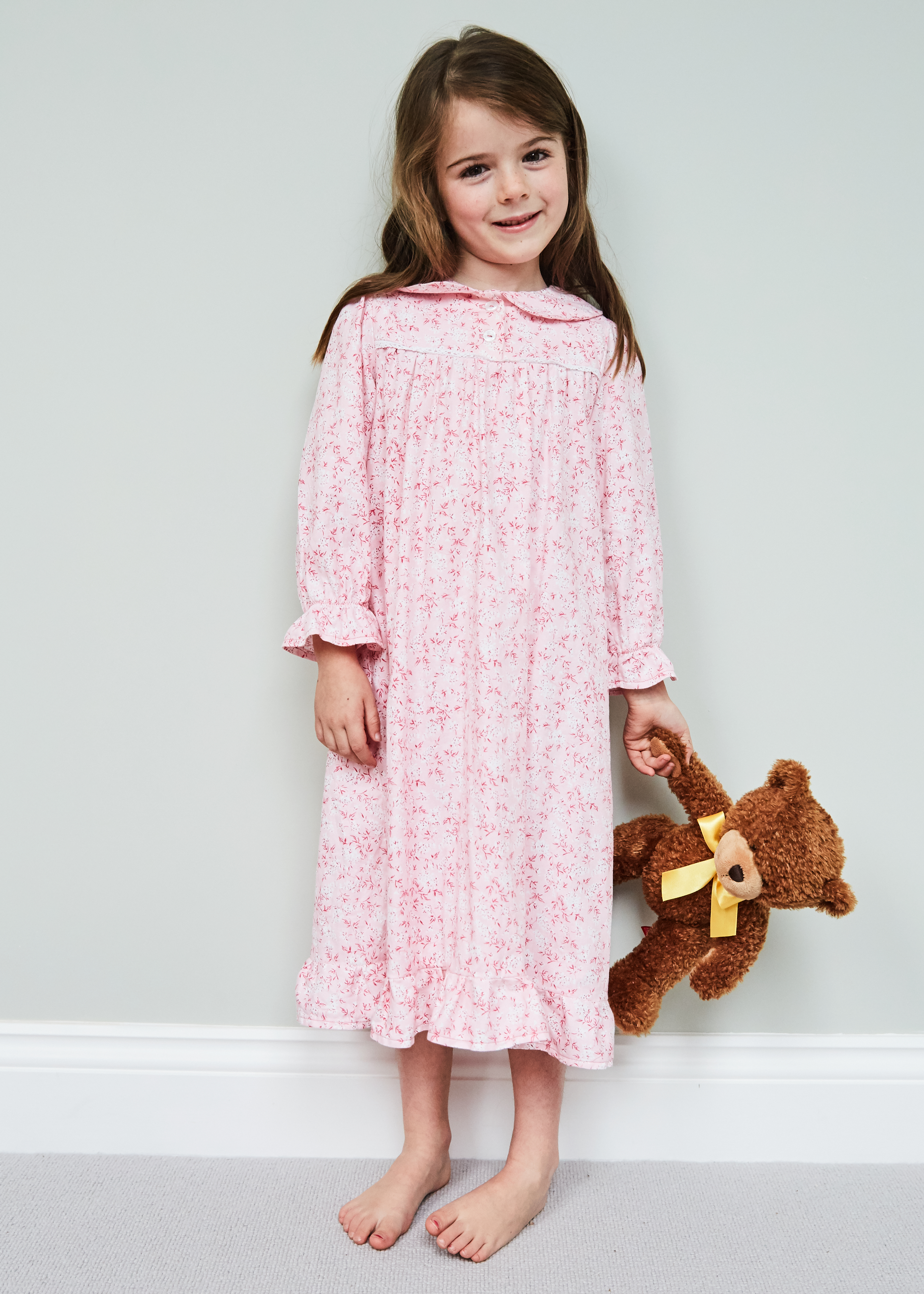 Ruffle nightie in vintage pink