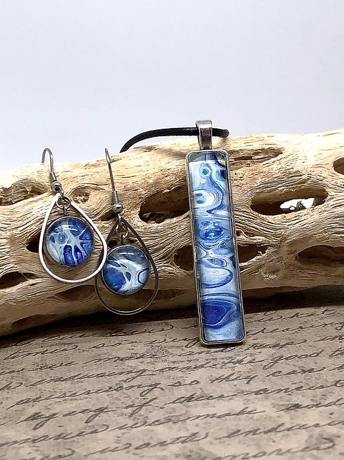 Blue and white swirl pendant and earring set