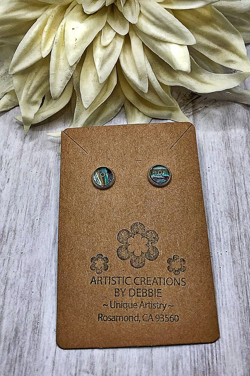 Green and brown 8mm round earrings.