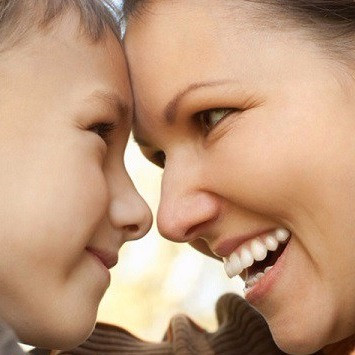 Inversão de papéis: 5 maneiras de evitar que seu filho assuma o lugar do seu marido