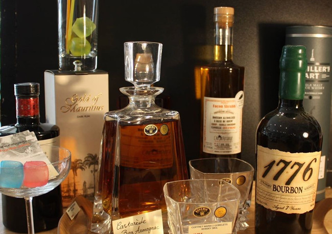 Bourbon, Mescal, Rhum...