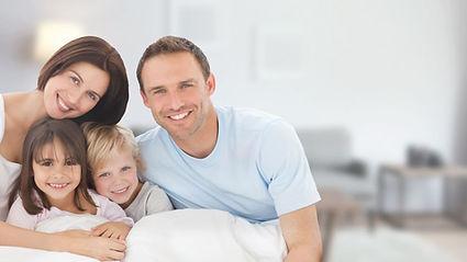 smiling family 01.jfif