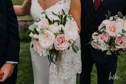 Blush and cream roses for a super scented boho bouquet