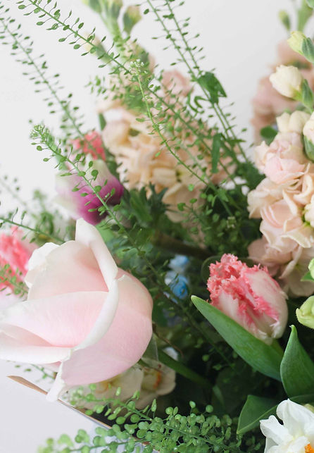 Another%20pastel%20bouquet%20close%20up_