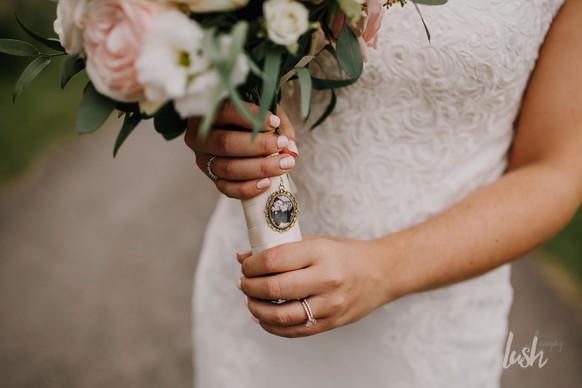 Personalised bridal bouquet details