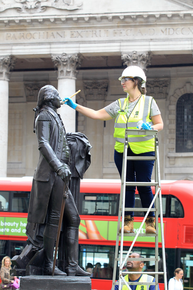 George Washington Statue in Trafalgar Square being cleaned