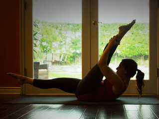 Your Daily Move: Single Straight Leg Stretch
