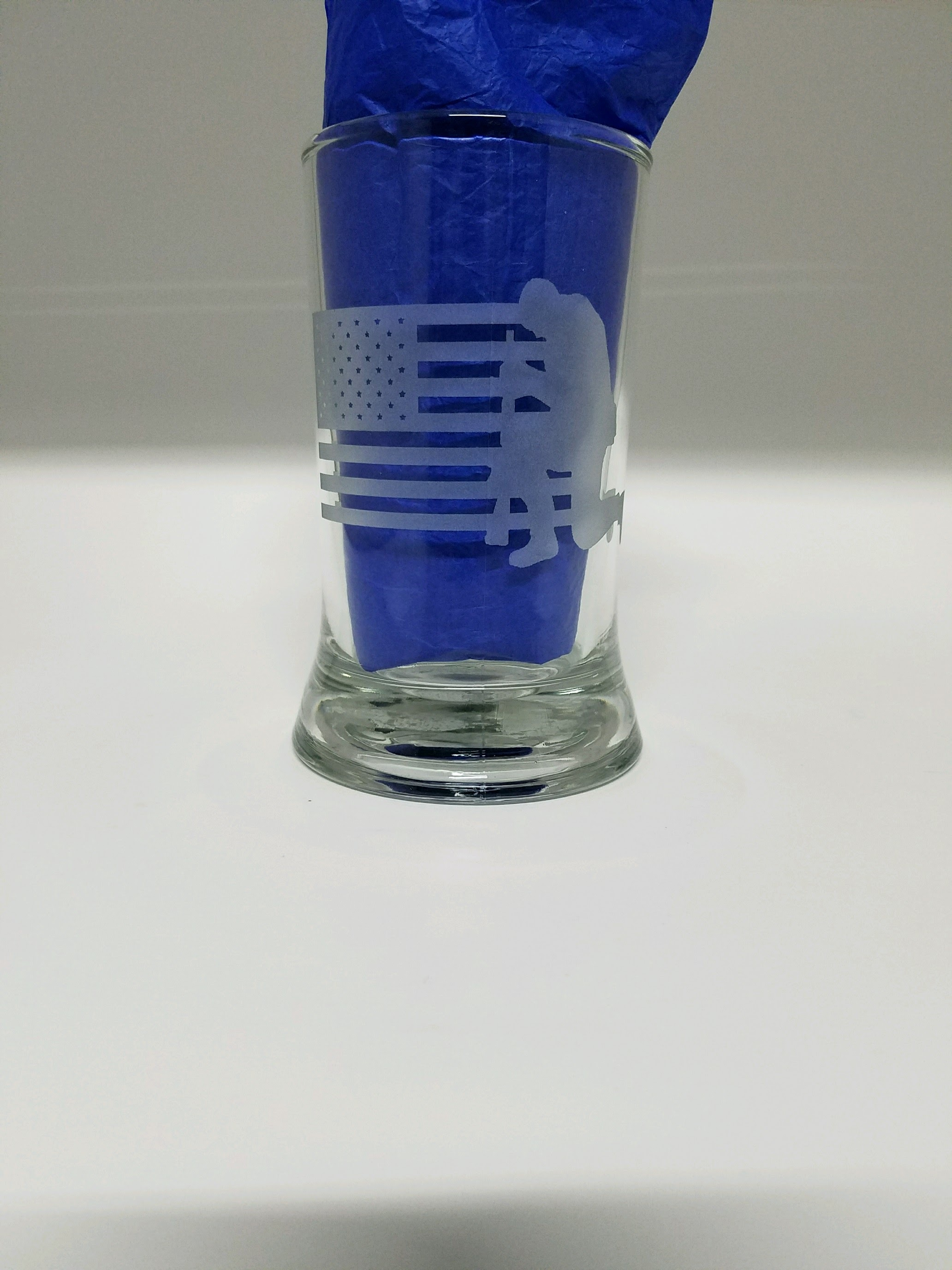 Flag Kneeling Soldier Glass Etching