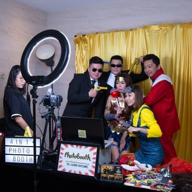 Professional Standard Instant Print Photo Booth Singapore