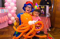 interactive advance balloon sculpting balloon twisting singapore