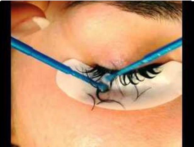 Eyelash Extension removal