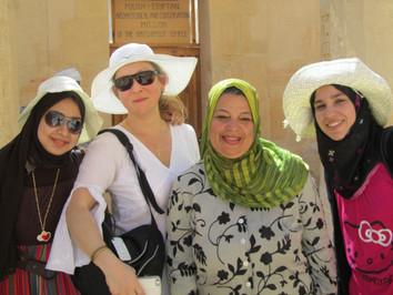 Egyptian girls  Février 2014