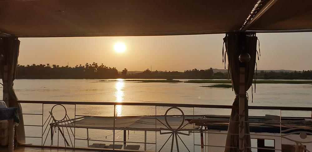 Au bord du Nil  Tous droits saygeomancie