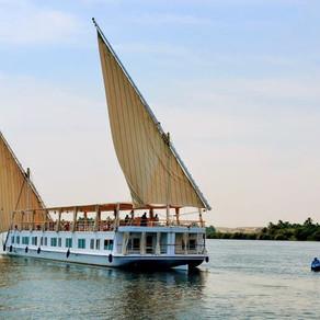 Voir les pyramides et voguer sur le Nil en Dahabiya avec nous !