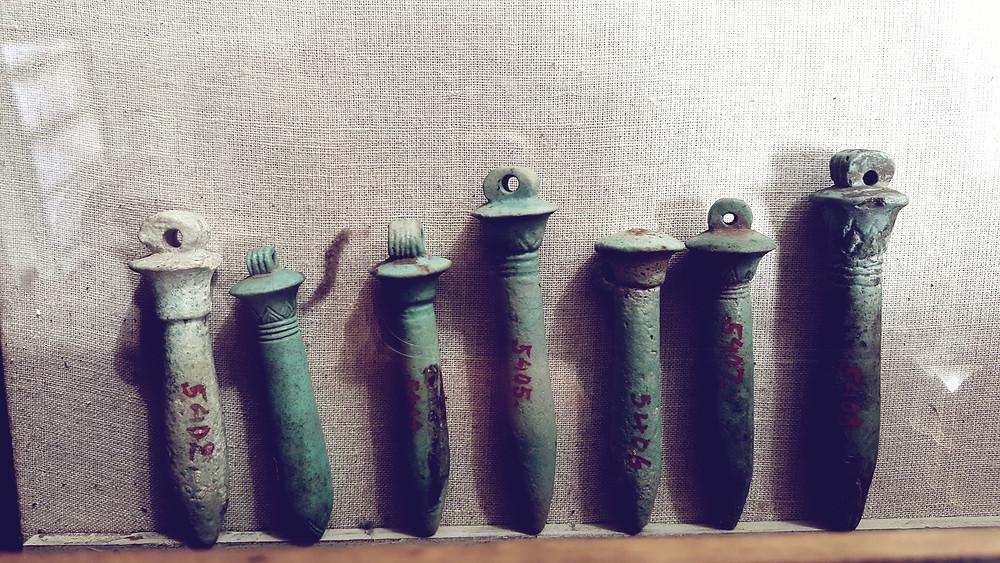 Pendules égyptiens en grès