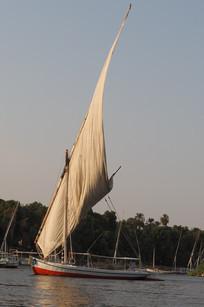 Felouque sur les eaux du Nil