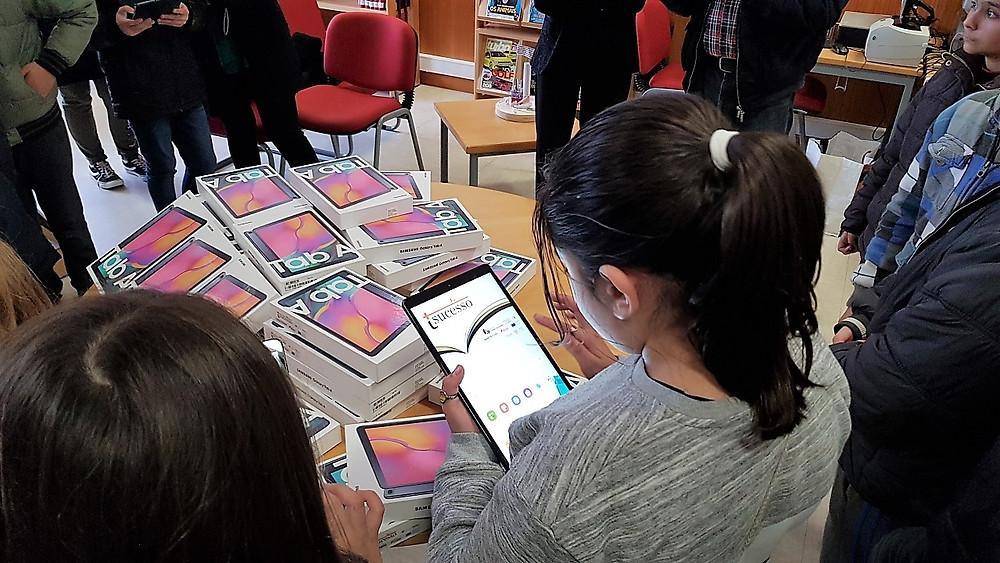 Autarquia Oferece Tablets ao Agrupamento de Escolas de Terras de Bouro | Peneda Gerês TV
